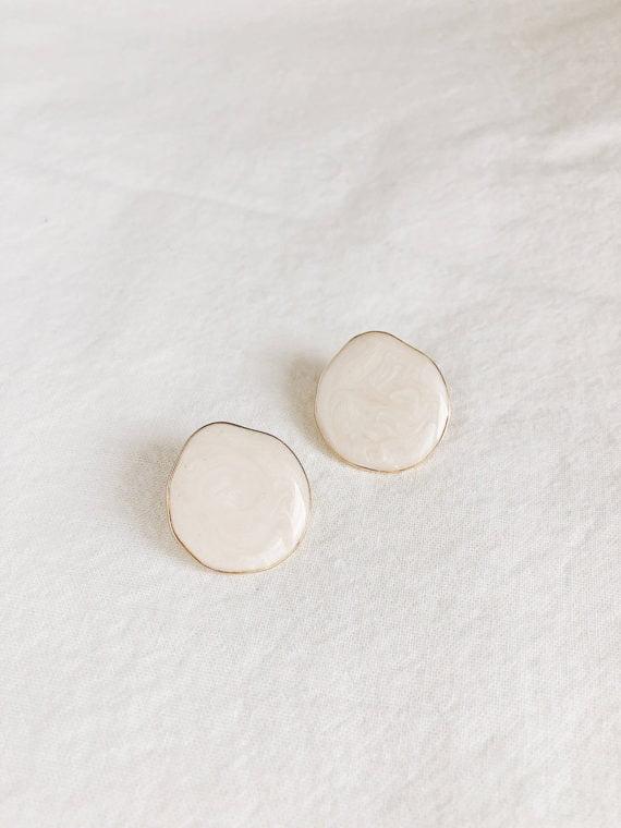 KAJO Lily Round Earrings Beige 1