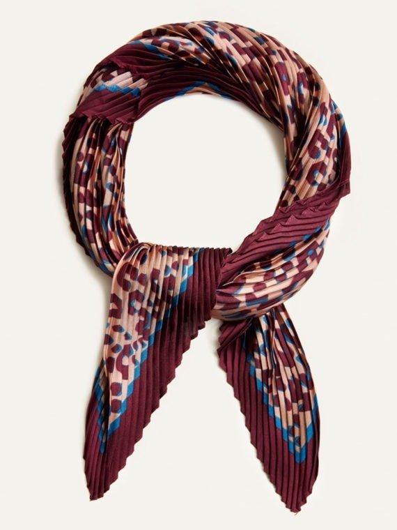 Maroon Leopard pleated scarf 2