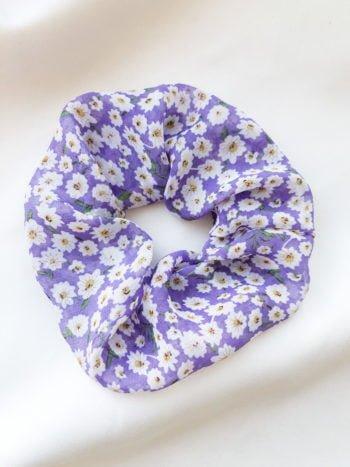Szyfonowa scrunchie w liliowe kwiaty 1